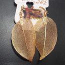 arete de hojas en chapa de oro